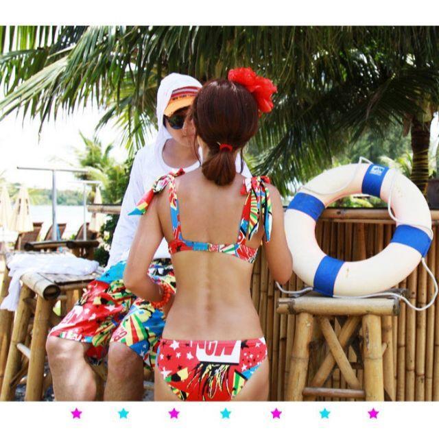 【XL】アメコミ柄 ビキニ ポップ スイムウェア デザインレディース 水着 レディースの水着/浴衣(水着)の商品写真