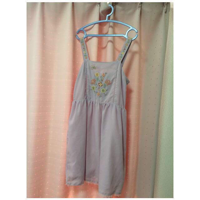 w closet(ダブルクローゼット)の刺繍ワンピース レディースのワンピース(ひざ丈ワンピース)の商品写真