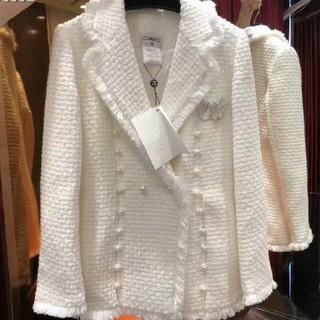 CHANEL - 秋冬コート ホワイト Chanel シャネル 簡潔で気前がよい!
