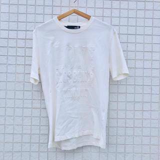 モスキーノ(MOSCHINO)のラブ モスキーノ MOSCHINO エンボス加工 ロゴ Tシャツ M ホワイト(Tシャツ/カットソー(半袖/袖なし))