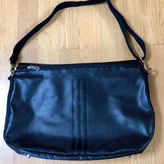(美品)通学鞄にもOKadidasショルダーバッグ
