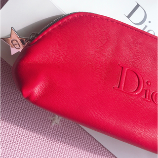 Dior - ⭐️DIORレッドポーチ❤️レザー調❤️新品❤️