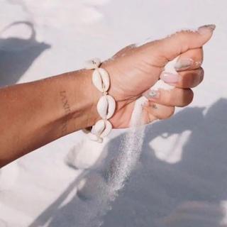 シールームリン(SeaRoomlynn)の新作 カウリーシェルブレスレット 貝殻 モチーフ ブレスレット(ブレスレット/バングル)