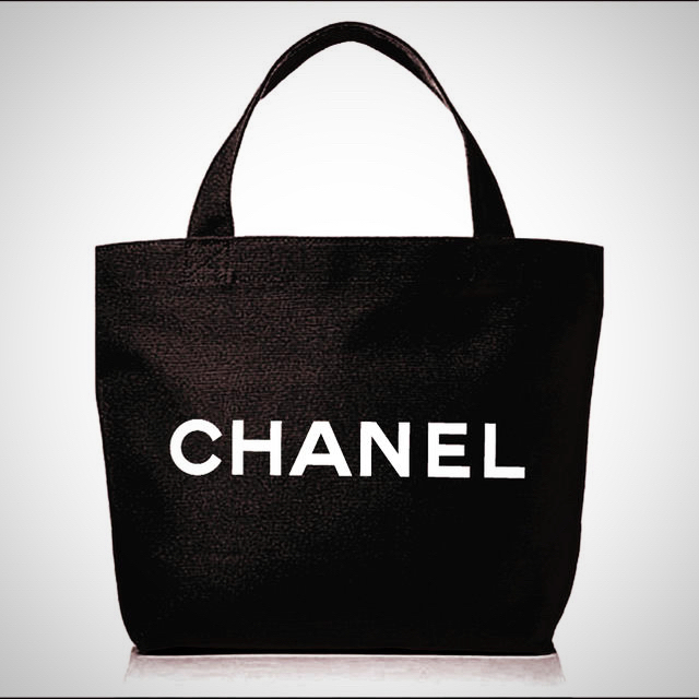 CHANEL(シャネル)のCHANEL ノベルティートートバッグ新品未使用 レディースのバッグ(トートバッグ)の商品写真