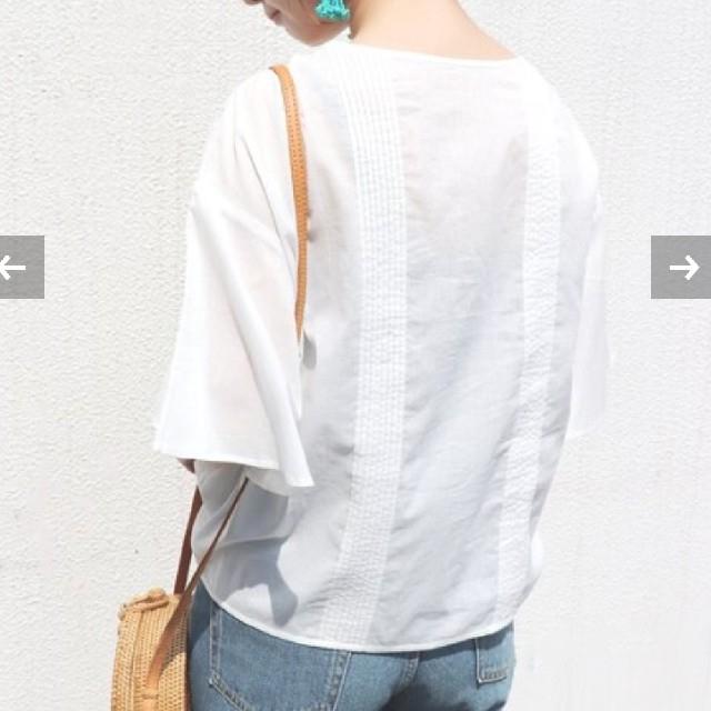 IENA SLOBE(イエナスローブ)のスローブイエナ マニーレースVネックブラウス  レディースのトップス(シャツ/ブラウス(半袖/袖なし))の商品写真