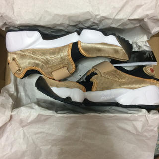 NIKE AIR RIFT GOLD 22cm(スニーカー)