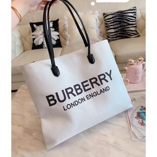 BURBERRY - バーバリーハンドバッグ
