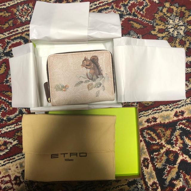 ETRO(エトロ)のほぼ未使用イタリア製エトロetro ホワイトペイズリー柄リス栗プリント財布ケース レディースのファッション小物(財布)の商品写真