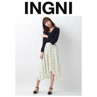 イング(INGNI)の美品 INGNI イング 花柄イレヘムスカート(ロングスカート)