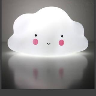 もこもこ雲のLEDライト 子ども部屋 ベビーベッドに