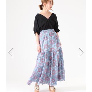 ティアラ(tiara)のTIARA×BINDU コラボスカート(ロングスカート)