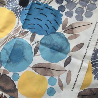 marimekko - 145×100【シトルナプー】 マリメッコ 生地 はぎれ 大きな花柄