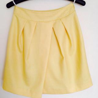 クローラ(CROLLA)のCROLLA レモン色スカート 値下げ!(ミニスカート)