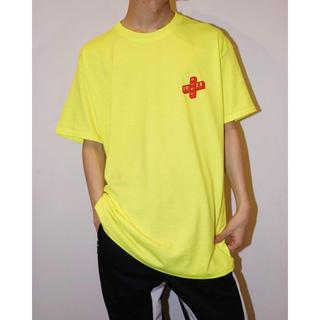 ラブラット(LABRAT)のENERリニューアルオープン最新作 key logo Tシャツ イエロー L(Tシャツ/カットソー(半袖/袖なし))