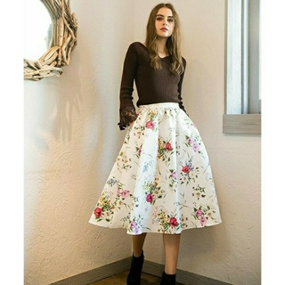 Noela - 【未着用品】Noela*カラーブレンドフラワーフレアスカート