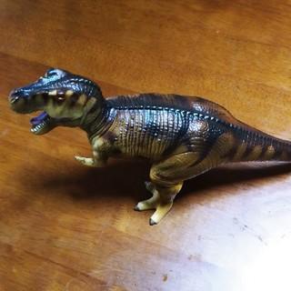 恐竜フィギュア ティラノサウルス