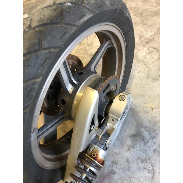 カワサキ(カワサキ)のゼファー400 リア 足回り 自動車/バイクのバイク(パーツ)の商品写真