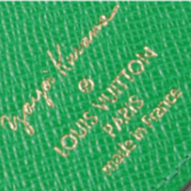 LOUIS VUITTON(ルイヴィトン)の【限定品レア♡】草間彌生  コラボ  キーホルダー / チャーム レディースのファッション小物(キーホルダー)の商品写真