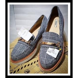 ランダ(RANDA)の◇新品24.5cm[タグ付き].RANDA.ビットローファー◇(ローファー/革靴)