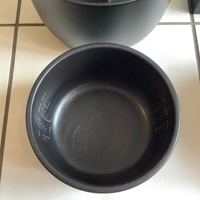 BALMUDA(バルミューダ)のバルミューダ ザ・ゴハン BALMUDA THE GOHAN 3合炊き 炊飯器 スマホ/家電/カメラの調理家電(炊飯器)の商品写真