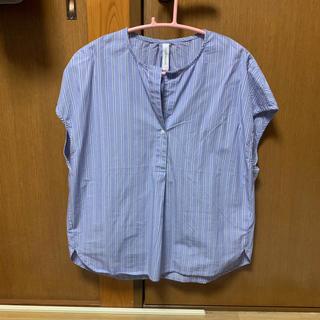 《新品★未使用》la tenue decontractee★トップス(シャツ/ブラウス(半袖/袖なし))