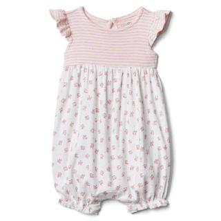 ベビーギャップ(babyGAP)の未使用babyGAPフラッタースリーブ ショートオール 60cm(ロンパース)