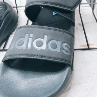 アディダス(adidas)のくつ(サンダル)