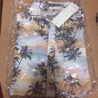 ジーユー(GU)のジーユー♡ローラボタニカルアロハシャツ(シャツ/ブラウス(半袖/袖なし))