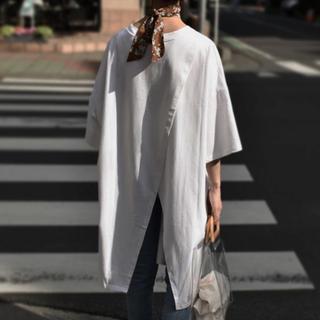 ジーユー(GU)のバックスリットオーバーtee(Tシャツ(半袖/袖なし))