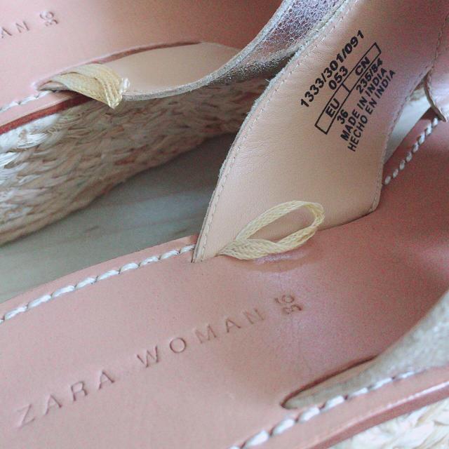 ZARA(ザラ)の人気即完売品 ZARA 厚底 ゴールド ラメエナメルストーム レディースの靴/シューズ(サンダル)の商品写真