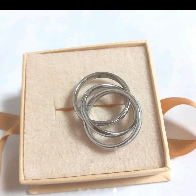 《新品》値下げ❗️海外 30号 3連 リング シルバー メンズのアクセサリー(リング(指輪))の商品写真