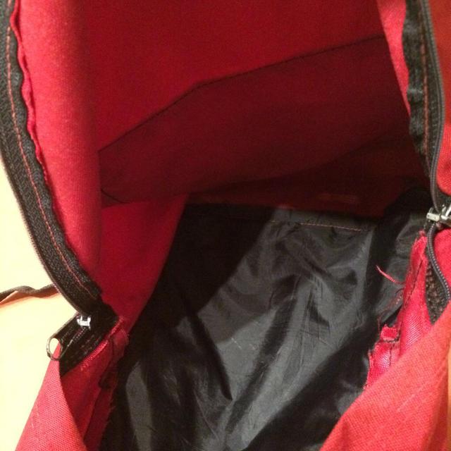 EASTPAK(イーストパック)のEASTPAK赤リュックサンタモニカ購入 レディースのバッグ(リュック/バックパック)の商品写真