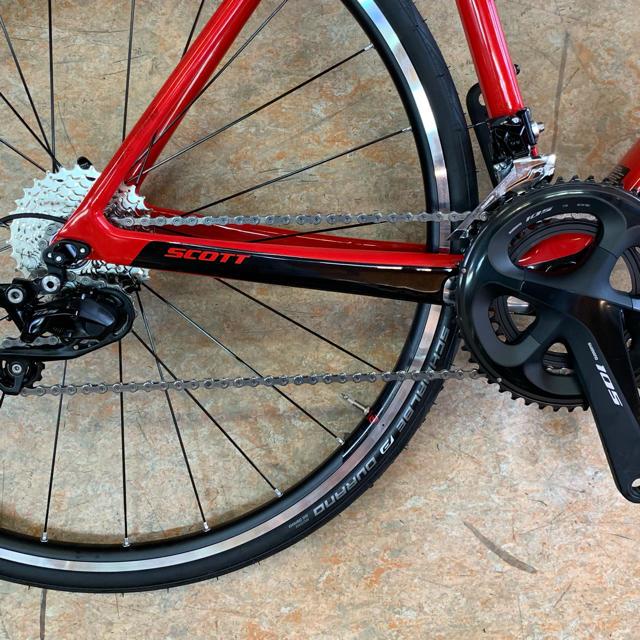 SCOTT(スコット)の2019 スコット アディクト20 シマノ105仕様 52サイズ カーボン 赤黒 スポーツ/アウトドアの自転車(自転車本体)の商品写真