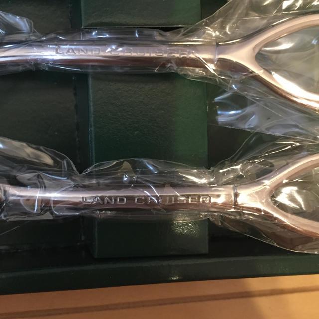トヨタ(トヨタ)のランドクルーザー  非売品 スプーン&フォークセット エンタメ/ホビーのコレクション(ノベルティグッズ)の商品写真