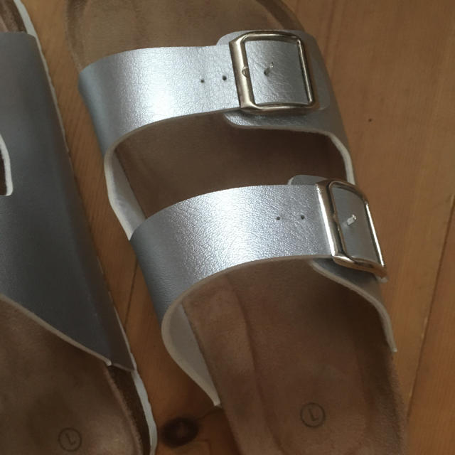 ビリケン風 サンダル L シルバー レディースの靴/シューズ(サンダル)の商品写真