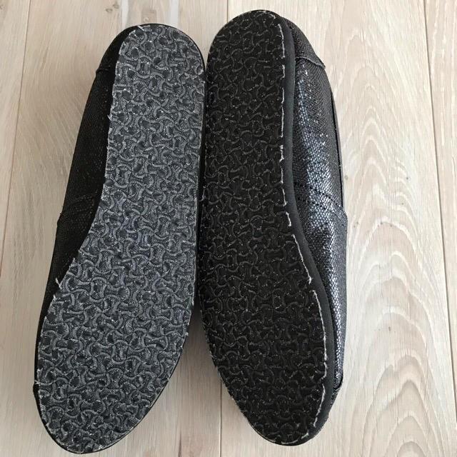 TOMS(トムズ)のhikari様ご購入予定品 トムズ  スリッポン グリッター  レディースの靴/シューズ(スリッポン/モカシン)の商品写真