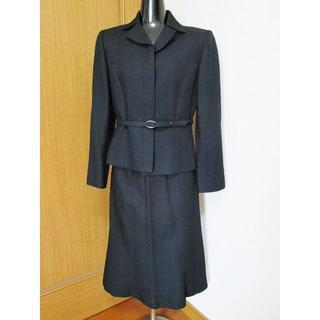 ソワール(SOIR)の美品☆東京ソワール カルヴェン 黒ツィード スカートスーツ 10号(スーツ)