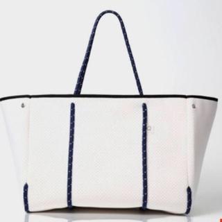 キュー(Q)のq bag paris L  ホワイト(トートバッグ)
