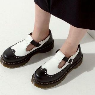 ドクターマーチン(Dr.Martens)の【極美品】Dr.Martens DEMIZE UK4 黒白 厚底 メリージェーン(ローファー/革靴)