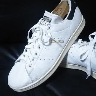 アディダス(adidas)の 王道!アディダススタンスミス高級スニーカー人気のビンテージカラー白黒!   (スニーカー)