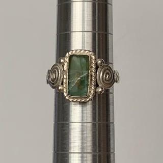 シルバーリング 緑石(リング(指輪))
