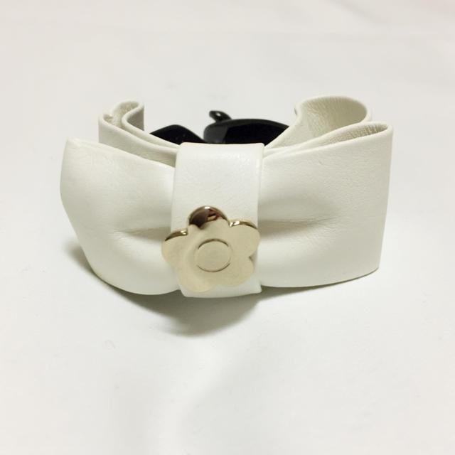 MARY QUANT(マリークワント)のヘアクリップ ホワイト レディースのヘアアクセサリー(バレッタ/ヘアクリップ)の商品写真