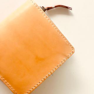 【オーダー可】生成りのレザーを使った薄型2つ折り財布 経年変化を楽しめます。(財布)