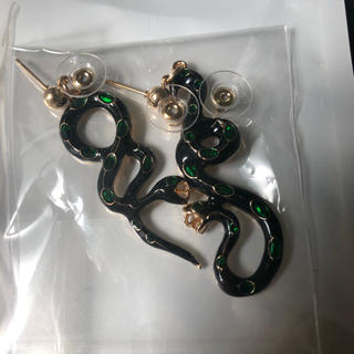 グッチ(Gucci)の新品 スネイク 蛇 イヤリング ピアス アクセサリー  (ピアス)