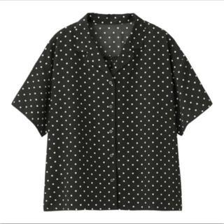 ジーユー(GU)のドットオープンカラーシャツ GU ジーユー M ブラック 黒 ドット(シャツ/ブラウス(半袖/袖なし))