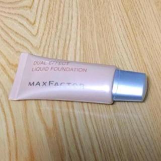 マックスファクター(MAXFACTOR)の中古 マックスファクター デュアル エフェクト リキッド ファンデーション OC(ファンデーション)