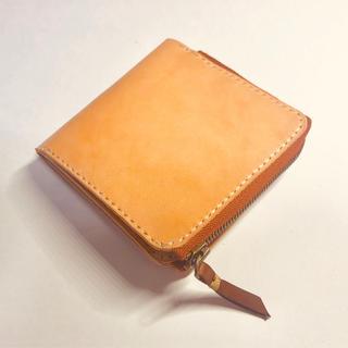 【オーダー可】生成りのレザーを使った薄型2つ折り財布 経年変化を楽しめます(折り財布)
