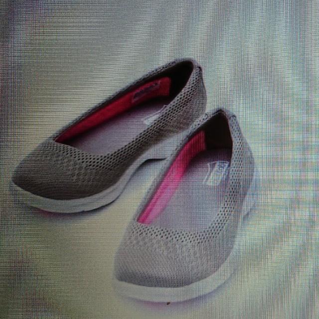 SKECHERS(スケッチャーズ)の美品 スケッチャーズ スリッポン 23,5cm レディースの靴/シューズ(スリッポン/モカシン)の商品写真