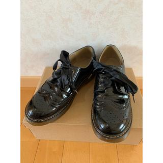 フィント(F i.n.t)のウィングチップエナメルシューズ(ローファー/革靴)