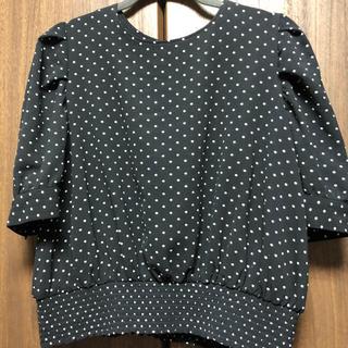 ジーユー(GU)のGU ドット ブラウス ブラック(シャツ/ブラウス(半袖/袖なし))